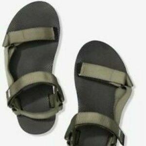 9/10 NWT VS pink festival slides sandals Green